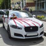украшение машины на свадьбу 2020
